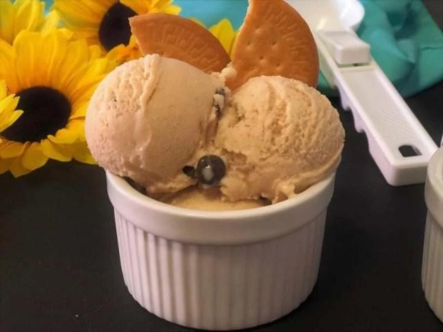helado de natillas y galletas