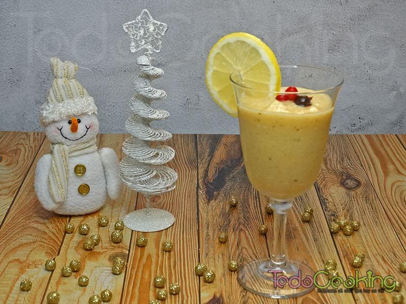 Smoothie granizado tropical con limón y jengibre 01