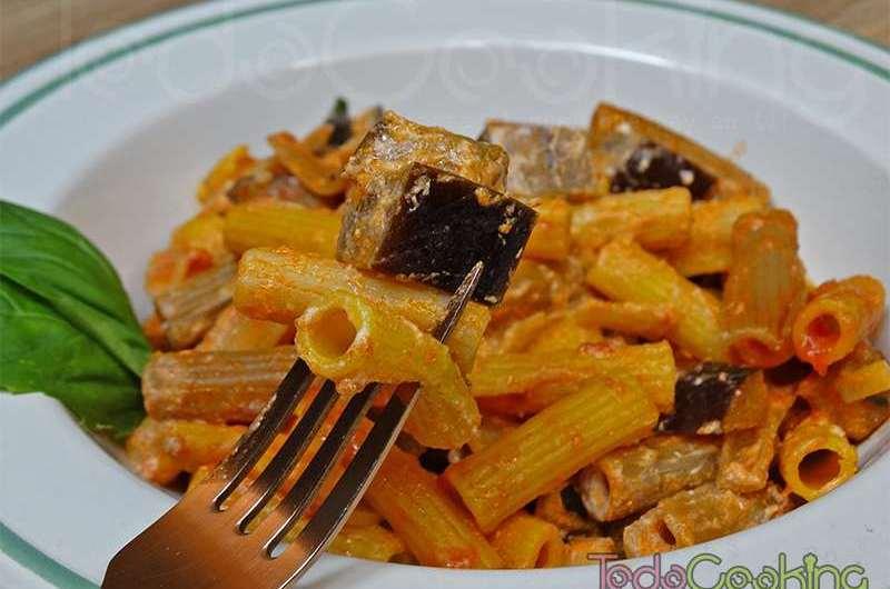 Pasta alla norma. Receta de pasta con berenjena siciliana