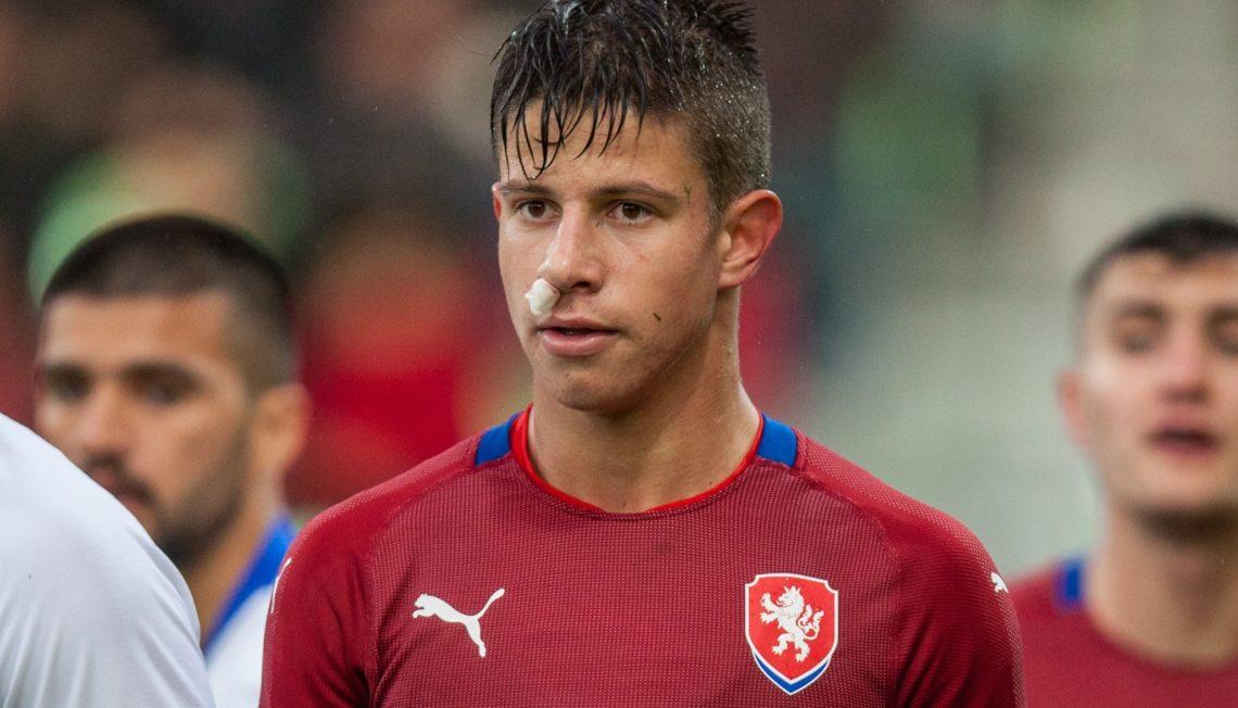Adam Hložek objetivo del Milán