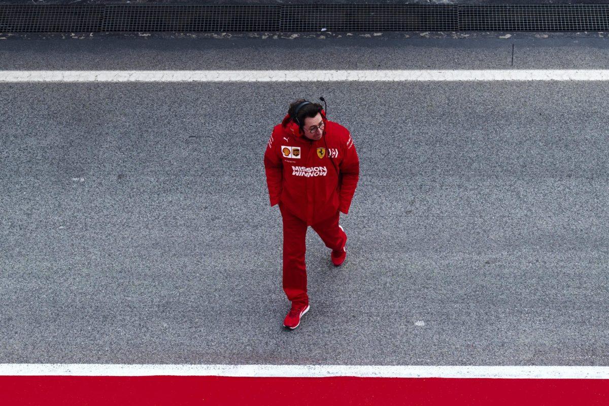 Binotto: Ferrari está asumiendo 'riesgos' para ponerse al día