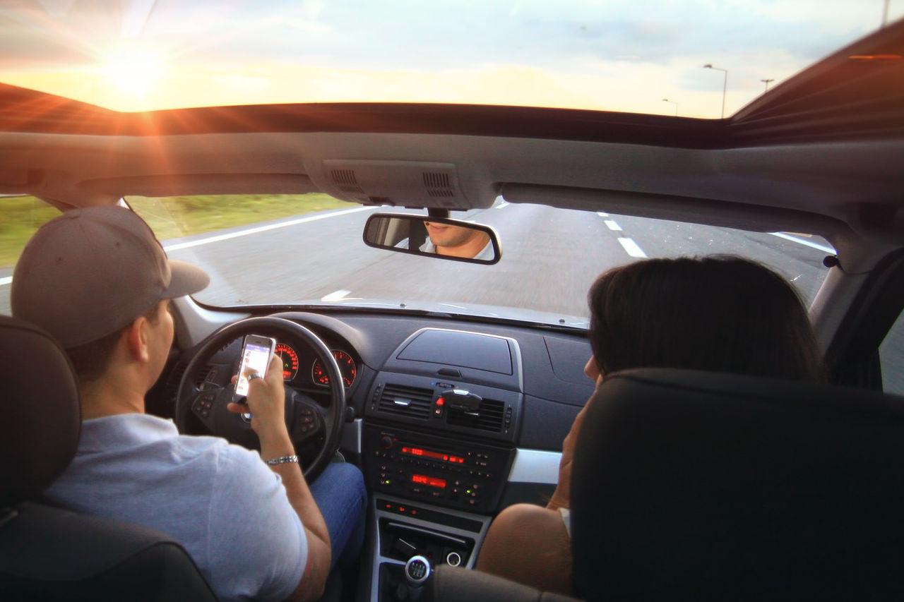Viajar en coche en verano: el calor y a falta de previsión