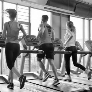 Corriendo en cinta de gym