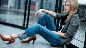 Amazing-Fashion-Jeans-for-Women-and-Cool-Models-Photography