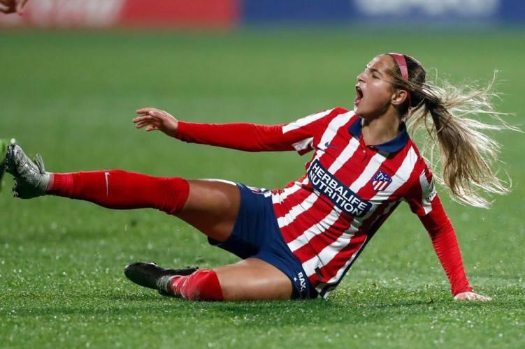 Deyna Castellanos se despide del 2020 con dos golazos