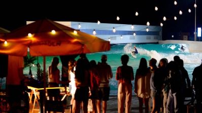 Noche de Surf Party en el Wavegarden