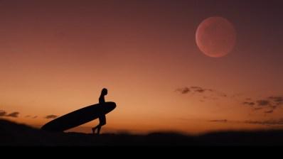 Honolua Blomfield surfea como una campeona del mundo