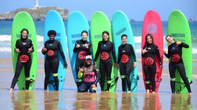 Vive la Pasión por las olas con la Escuela Cántabra de Surf