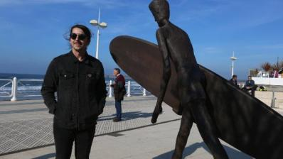 Inaugurado monumento al surf en Asturias
