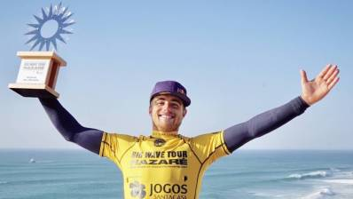 Natxo Gonzalez, segunda mejor ola gigante en los WSL Big Wave Awards