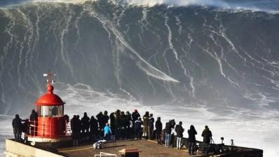 La ola mas grande surfeada en Nazaré este año