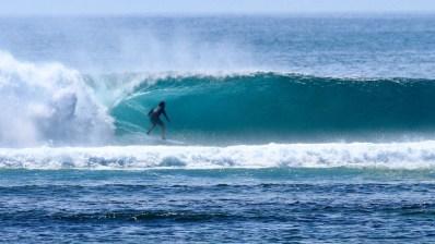 Un surfista en busca de paraíso