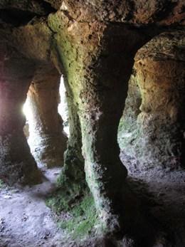 Interior de la Gruta del Palacio