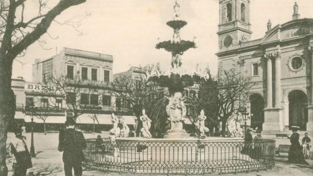 Fotografía antigua de la Plaza Matriz