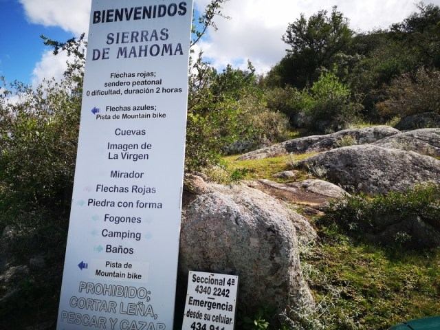 Cartel de bienvenida de las Sierra de Mahoma
