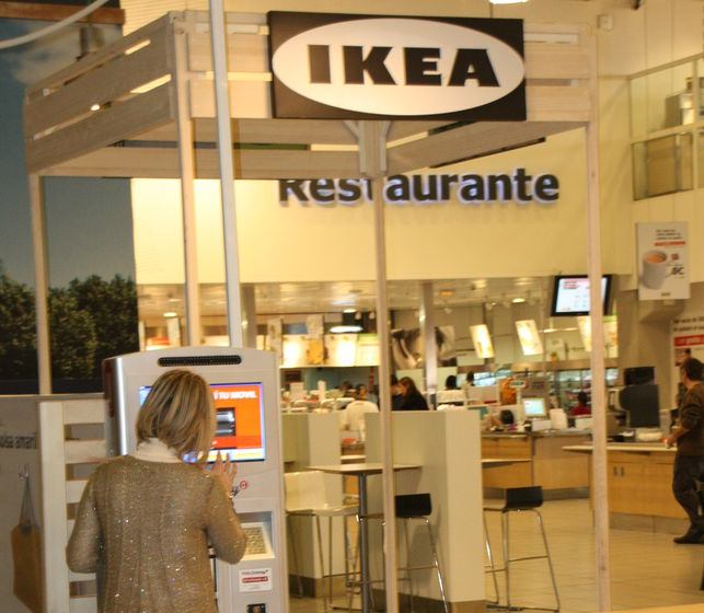 cargador-movil-help-battery-ikea