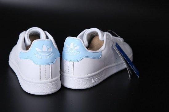 Adidas Stan Smith Blancas azul cielo 5