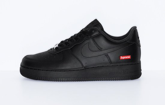 Supreme x NIKE Air Force 1 Low Negras