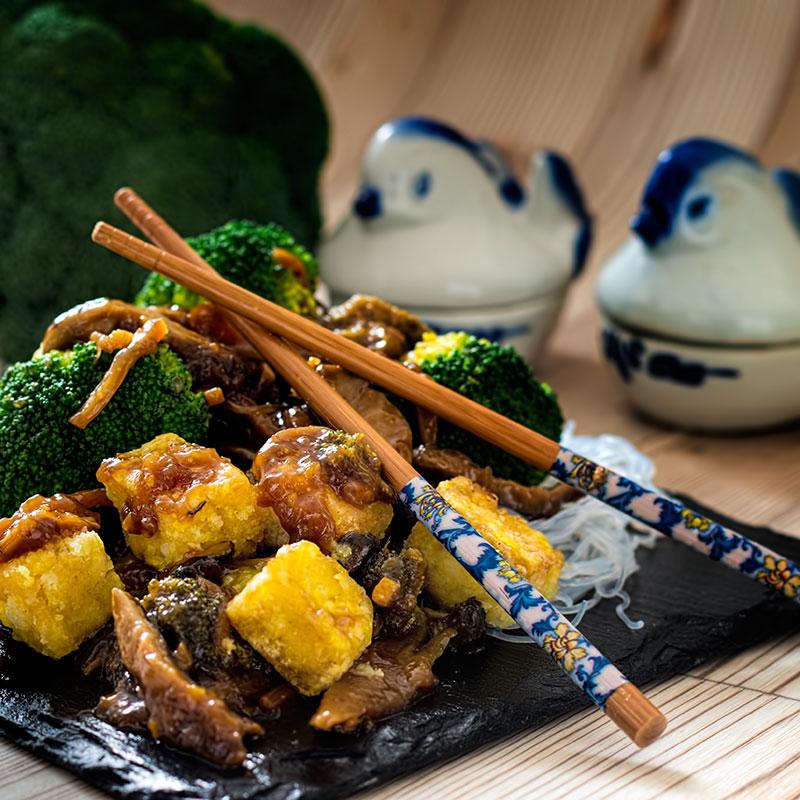 general-tso-tofu-mit-broccoli
