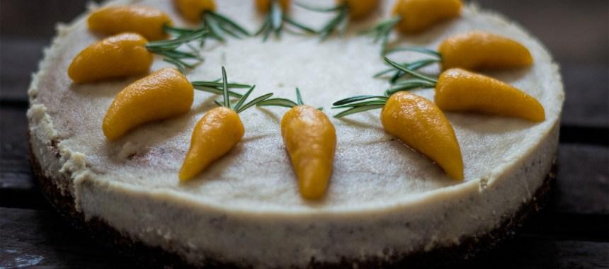 Karottenkuchen (Möhrenkuchen) mit Macadamia-Cashew-Frosting