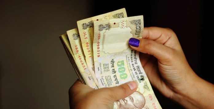 Thảm họa đổi tiền của Ấn Độ