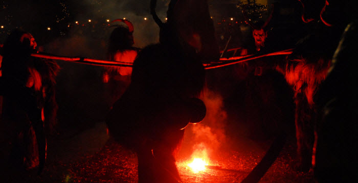 krampus_fire1