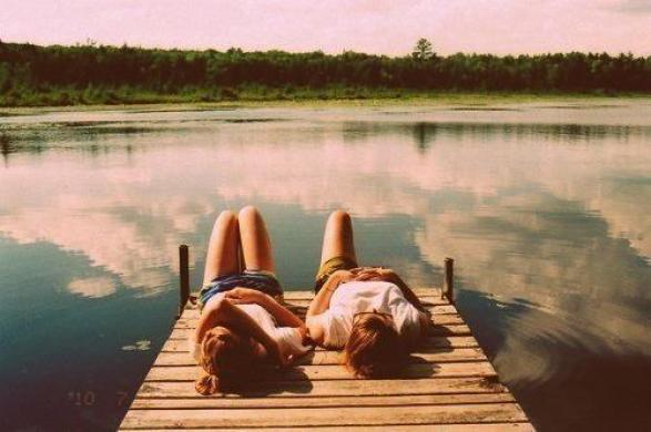 Στην εποχή μας οι φίλοι φαίνονται στα όμορφα και όχι στα δύσκολα