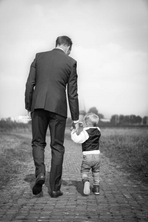 10 λόγοι που κάνουν τον άντρα σου έναν υπέροχο μπαμπά