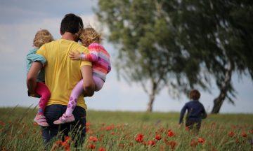 """5 Οικογενειακά διατροφικά """"tips"""" για μπαμπάδες"""