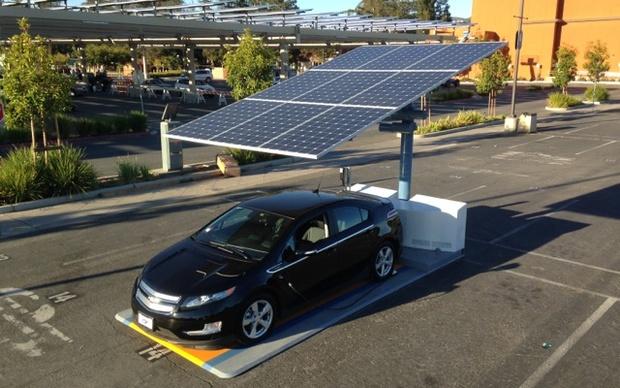 energy-energie-autonomie-battery-batterie-autonomy-maison-autonome-naturel-maitre-oeuvre-constructeur-electricite-car-voiture-vehicule-car spot-stockage-panneau-solaire-solar-panel-artisan-toitot-maison-autonome