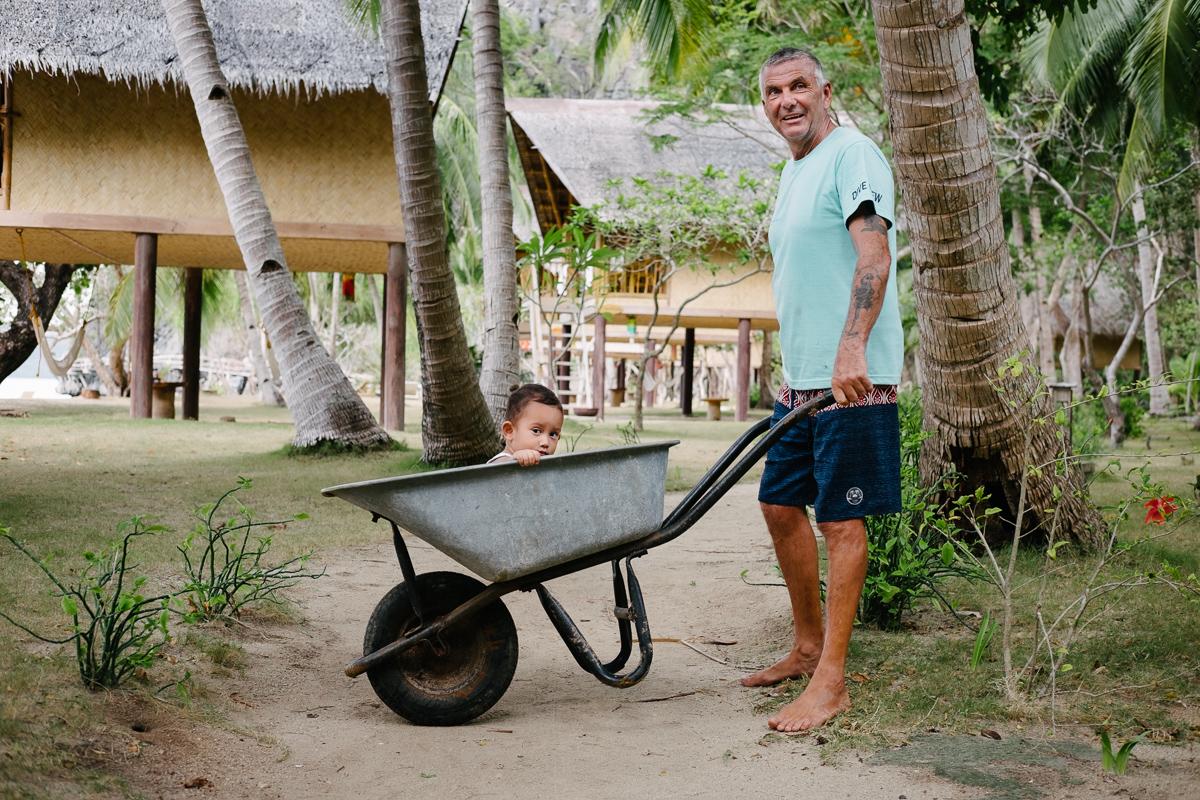 Will - dive master na otoku Sangat, Coron/Palawan, Filipini