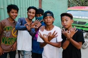 Najstniki na ulicah mesta El Nido, Filipini