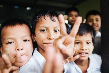 Šolarji, vas Dala, Jangon, Mjanmar