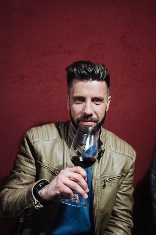 Matej med degustacijo vin Cultus, Vipavska dolina