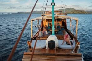 Na potapljaški ladji, Flores, Indonezija