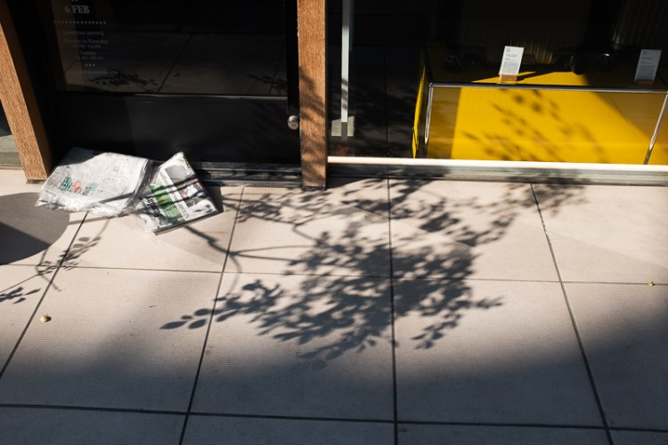 paper yellow shadow