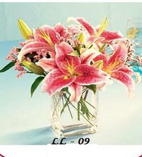 Lili In Vase