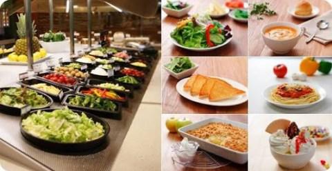 『シズラー』のサラダバーは野菜以外も豊富です