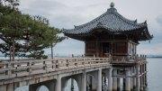 Ukimido Mangetsuji temple