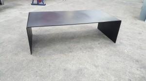 TABLE BASSE TOLERIE GENERALE BEAUCHAMP SUR MESURE PIECE UNIQUE EN TOLE ACIER EPAISSEUR 8 MM ET PATINEE
