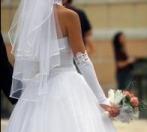 Braut mit Brautkleid; Foto aboutpixel.de / n-loader Sven Schneider