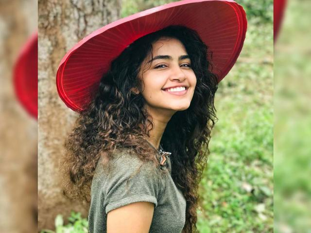 Anupama looking out for movies in Tollywood