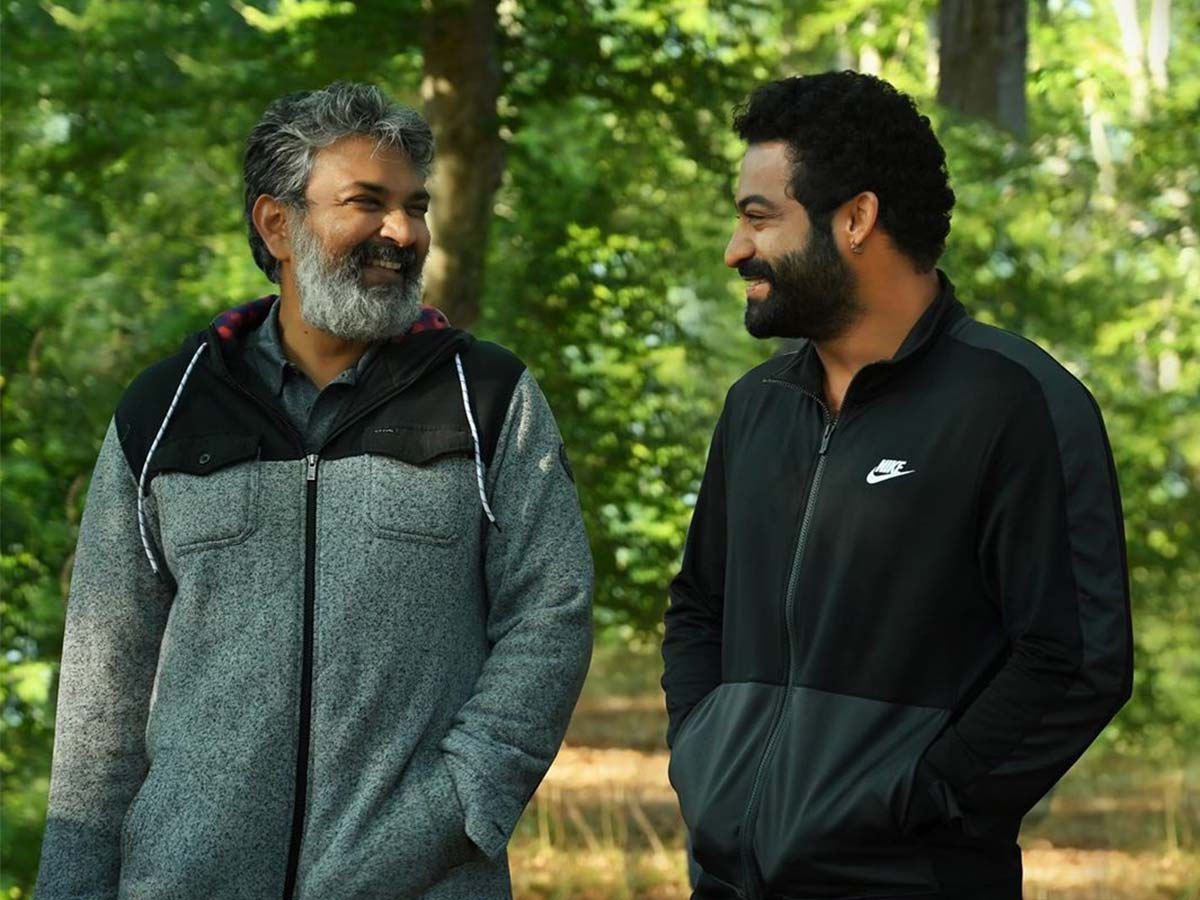 Candid moment!Rajamouli and Jr NTR love in forest