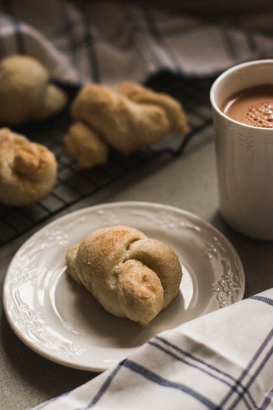 Cinnamon Love Knots // The perfect cold-weather treat!