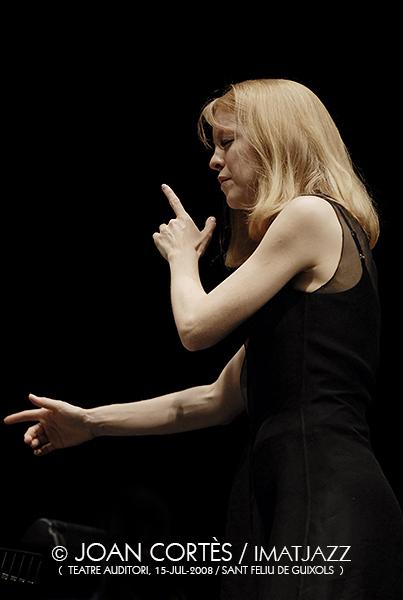 IMJ073_MARIA SCHNEIDER (©Joan Cortès)_15jul08_Maria Schneider Orchestra_Teatre Auditori_46Fest Porteferrada_St Feliu de Guixo