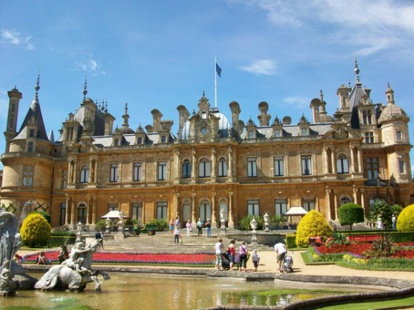 Waddesdon_Manor_front_face_-_geograph.org.uk_-_1188615