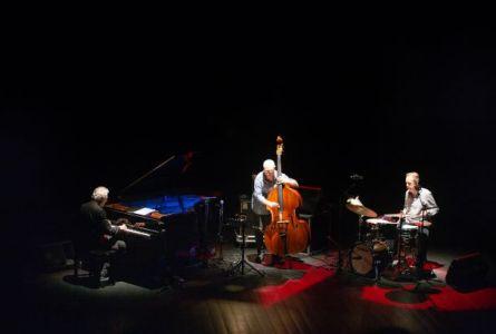Trio Oliva / Boisseau / Rainey (28º Guimaraes Jazz, Portugal. 2019-11-09) [Concierto]