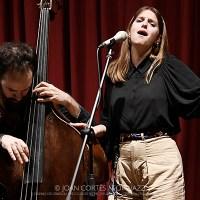 INSTANTZZ: Magalí Sare & Manel Fortià (31è Jazz Granollers Festival / Casino de Granollers Club de Ritme, Granollers -Barcelona-.  2021-04-09) [Galería fotográfica AKA Fotoblog de jazz, impro… y algo más] Por Joan Cortès