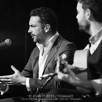 INSTANTZZ: Jesús Méndez & Dani de Morón [Flamenco a Nou Barris 21: Desvarío / Pati de la Seu del Districte de Nou Barris, Barcelona.  2021-09-19 (IV/IV)] [Flamencura AKA Galería fotográfica AKA Fotoblog de jazz, impro… y algo más] Por Joan Cortès