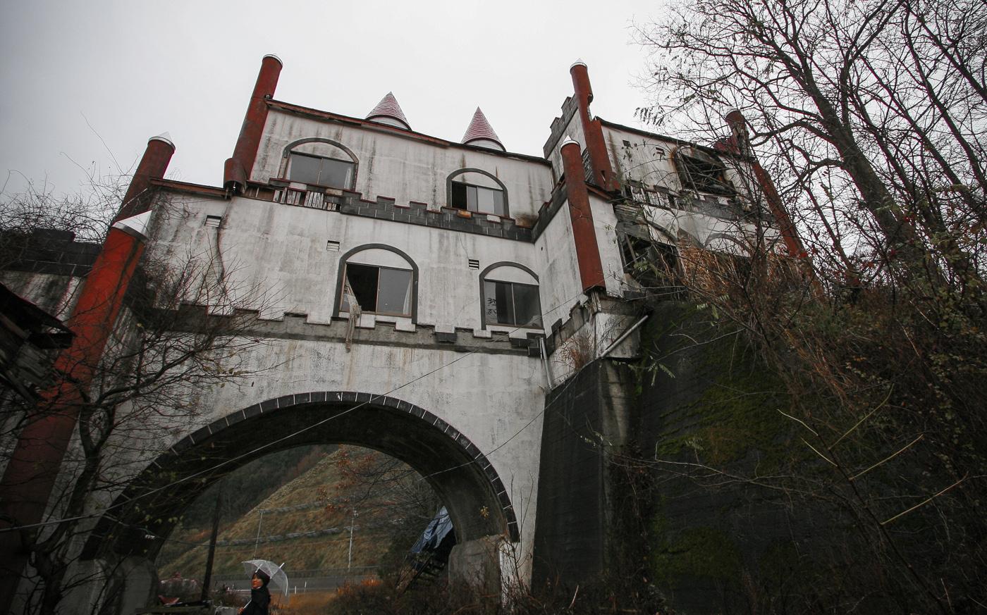 Abandoned Service Area 湯の沢温泉ドライブイン
